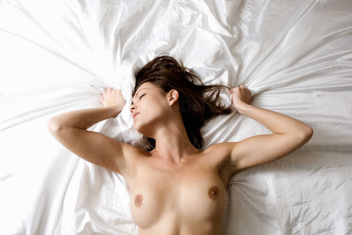 Nude bed pictures
