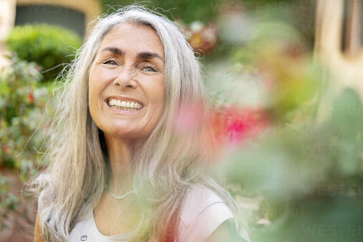Haaren frauen mit langen grauen Stylingfehler: Diese